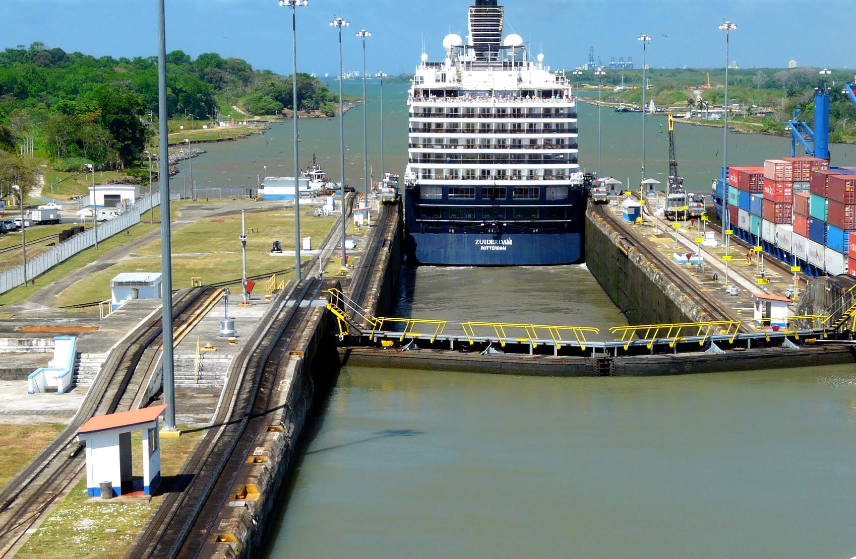 the construction of the panama canal a great engineering work in history